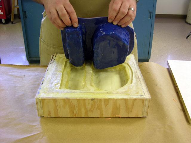 Как сделать кожух для силиконовой формы
